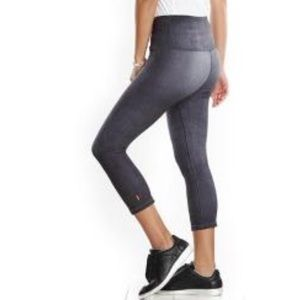 lucy indiGO High-Rise Capri Leggings - Women's